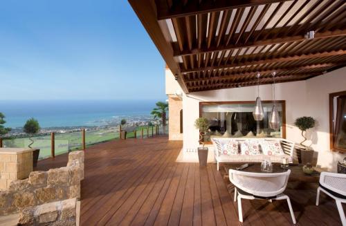 Kamares Village_villa terrace