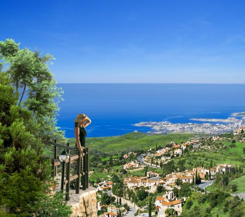kamares Village- view to the sea (2)